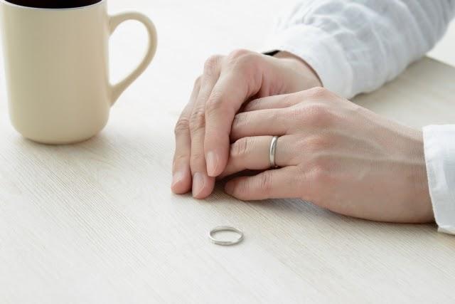 熟年離婚とは?離婚となる原因や具体的な手続きの方法をご紹介